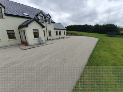 Tar and Chipping For Driveways (7)