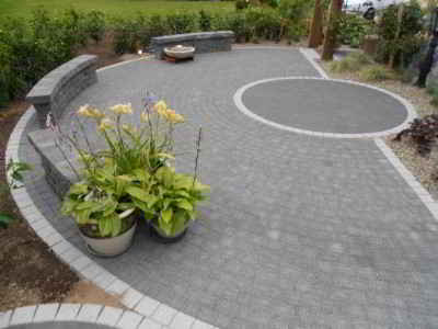 block paving with circle area 1